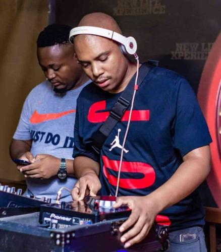 C'buda M & Sdida Will You Be Mine Ft. Boohle, Tee Jay, DJ Stoks & MD Le Sax mp3 download